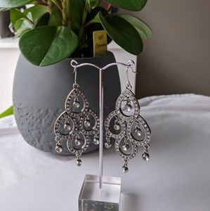 🌸3 For $25🌸Chandelier earrings